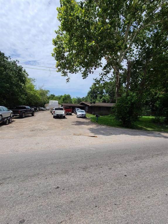 1214 Hill Road #1, Houston, TX 77037 (MLS #18577437) :: Caskey Realty