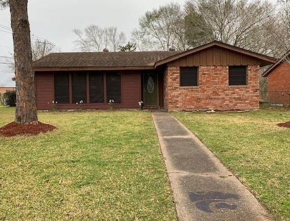 628 Holly Street, Angleton, TX 77515 (MLS #18581362) :: The Property Guys