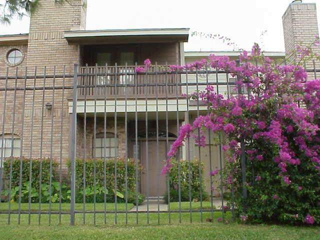 800 Country Place #503, Houston, TX 77079 (MLS #18615561) :: Texas Home Shop Realty