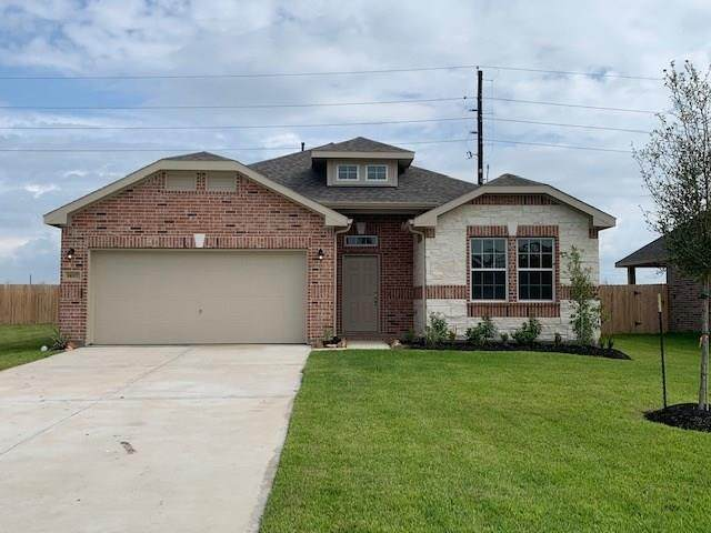 14207 Medina Drive, Baytown, TX 77523 (MLS #18810731) :: The Freund Group