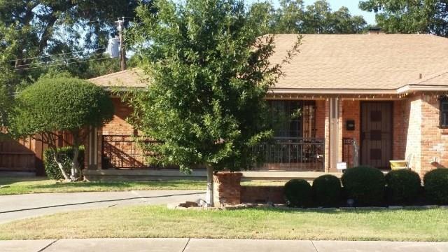 4933 Chilton Drive, Dallas, TX 75227 (MLS #18978618) :: Fairwater Westmont Real Estate