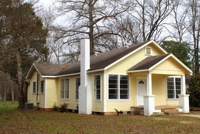 818 E Clark Avenue, Crockett, TX 75835 (MLS #19099013) :: The Sansone Group