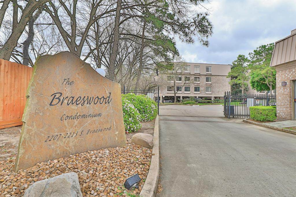 2207 Braeswood Boulevard - Photo 1