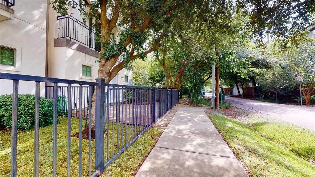 910 Patterson Street - Photo 1