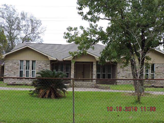 1009 Elsbeth Street, Channelview, TX 77530 (MLS #19373477) :: The Home Branch