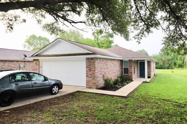 295 Martin Luther King Drive, Diboll, TX 75941 (#19439141) :: ORO Realty