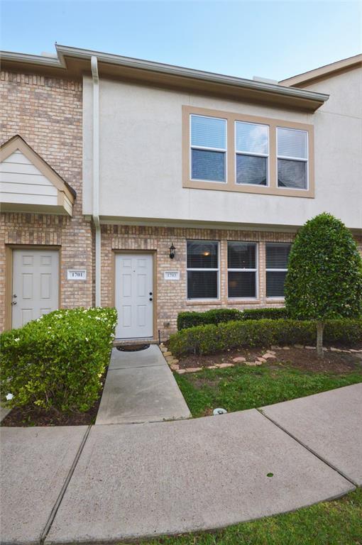 1703 Kemah Village Drive, Kemah, TX 77565 (MLS #19453973) :: Ellison Real Estate Team