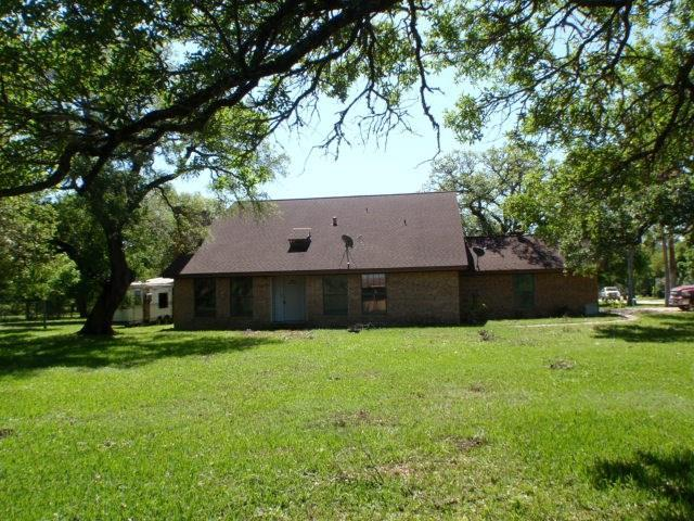 1399 County Road 206, Sargent, TX 77414 (MLS #19611750) :: The Bly Team