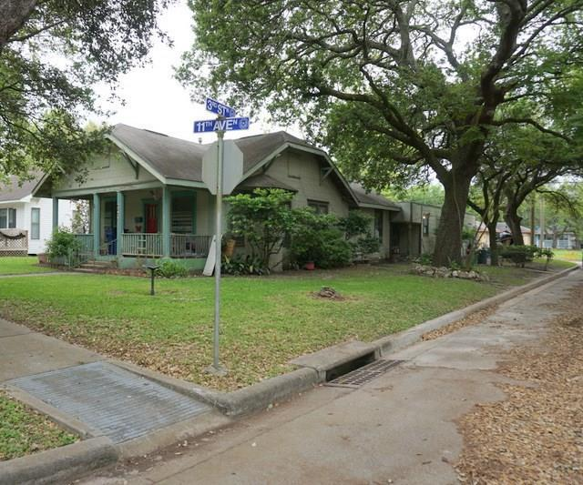 231 11th Avenue N, Texas City, TX 77590 (MLS #19822401) :: The SOLD by George Team