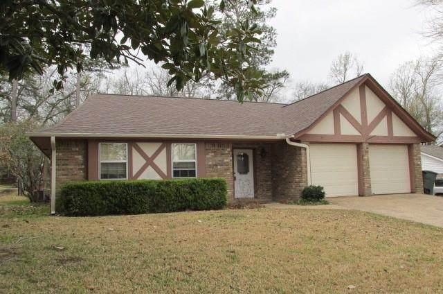 1437 Green Briar Drive, Huntsville, TX 77340 (#19993372) :: ORO Realty