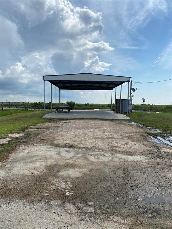1538 Mabry, Gilchrist, TX 77617 (MLS #20032668) :: The Freund Group