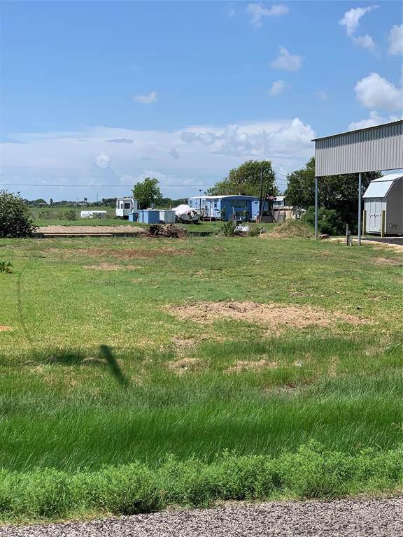 175 Fm 457 Sargent Highway, Sargent, TX 77414 (MLS #20076922) :: The Sold By Valdez Team