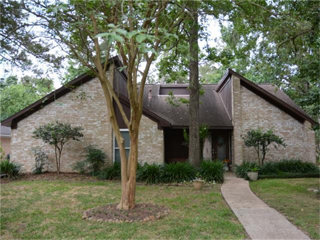 1902 Round Spring Drive, Houston, TX 77339 (MLS #20091545) :: Red Door Realty & Associates