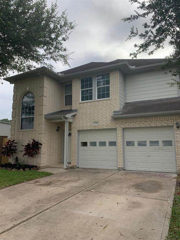 9705 Fabiola Drive, Houston, TX 77075 (MLS #20314378) :: The SOLD by George Team