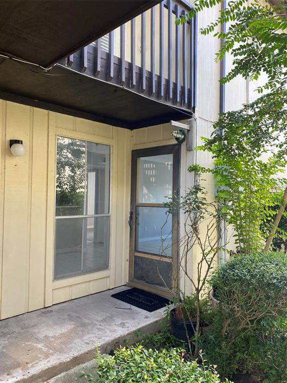 1500 Bay Area Boulevard #327, Houston, TX 77058 (MLS #21005934) :: Keller Williams Realty