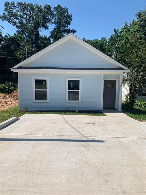 938 Queenswood Drive, Montgomery, TX 77316 (MLS #21083587) :: Connect Realty