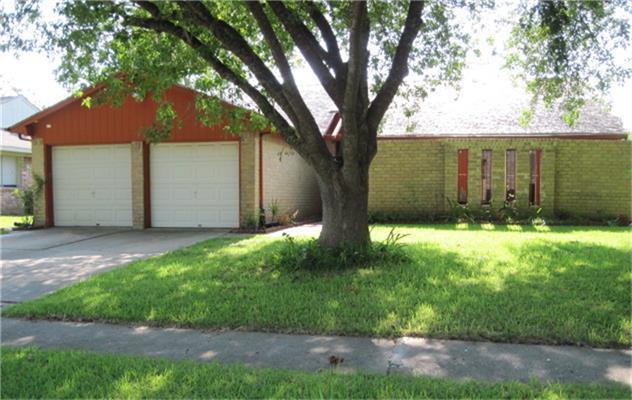 6519 Escondido Drive, Houston, TX 77083 (MLS #21865852) :: Carrington Real Estate Services