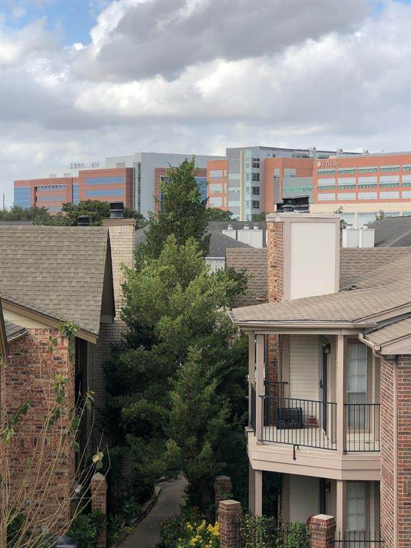 2121 Hepburn Street #724, Houston, TX 77054 (MLS #22037748) :: The Parodi Team at Realty Associates