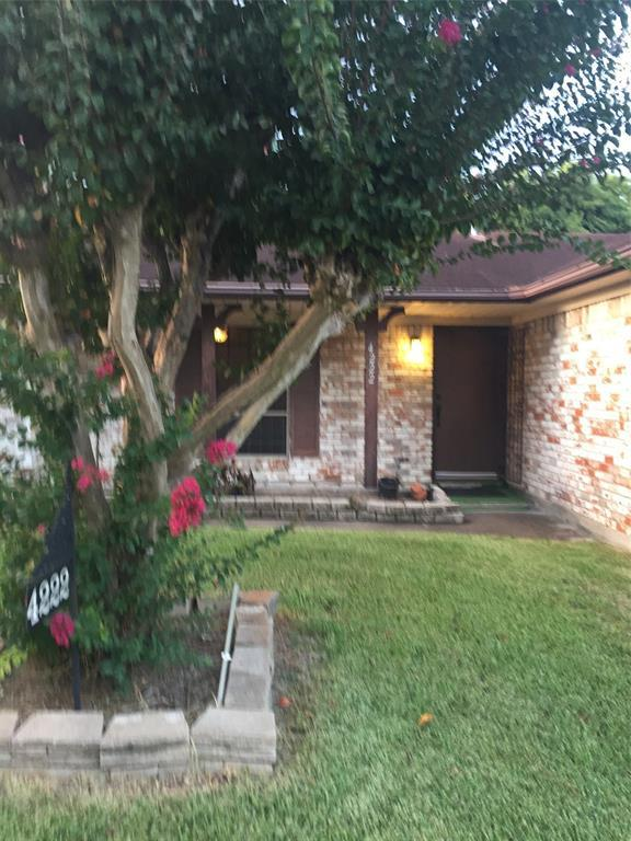4222 Woodmont Drive, Houston, TX 77045 (MLS #22528846) :: Texas Home Shop Realty