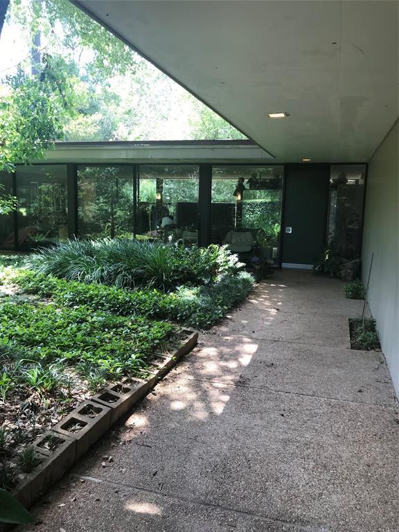 24 Stillforest Street, Houston, TX 77024 (MLS #2255622) :: Fairwater Westmont Real Estate