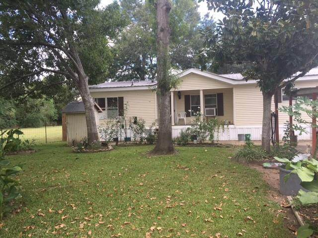 2090 Fm 1094 Road, Sealy, TX 77474 (MLS #22723821) :: The SOLD by George Team