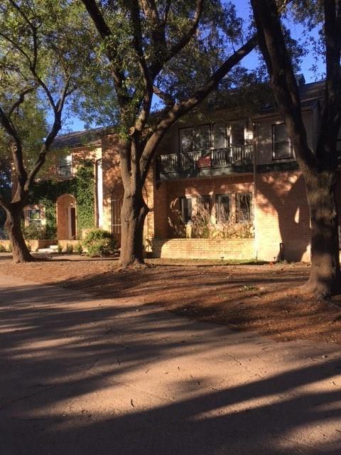 604 N Eldridge Parkway #2, Houston, TX 77079 (MLS #22929004) :: Fanticular Real Estate, LLC