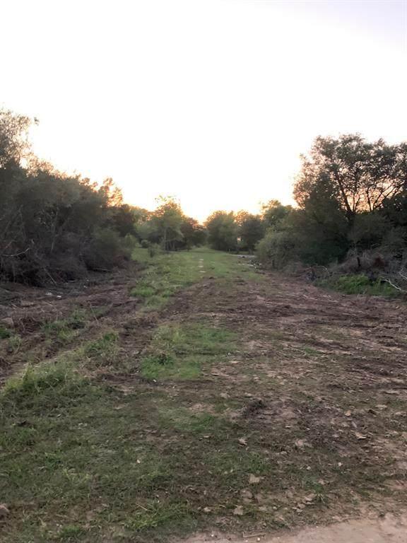 0 Oleander, Prairie View, TX 77446 (MLS #22985248) :: Ellison Real Estate Team