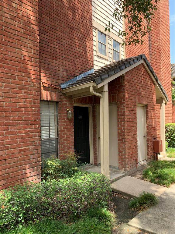 2211 S Kirkwood Road #70, Houston, TX 77077 (MLS #22992562) :: Christy Buck Team