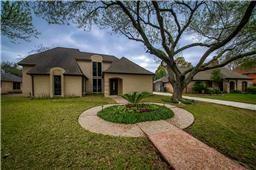 1622 Fall Valley, Houston, TX 77077 (MLS #23170839) :: Texas Home Shop Realty