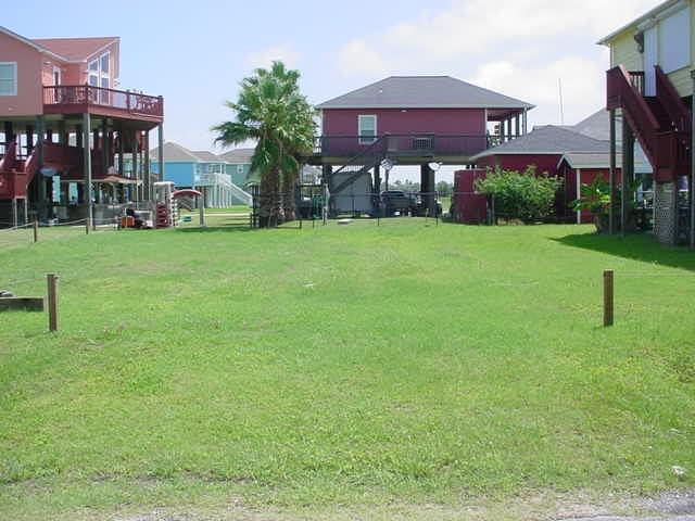 908 Meynig Drive, Crystal Beach, TX 77650 (MLS #23222604) :: Texas Home Shop Realty