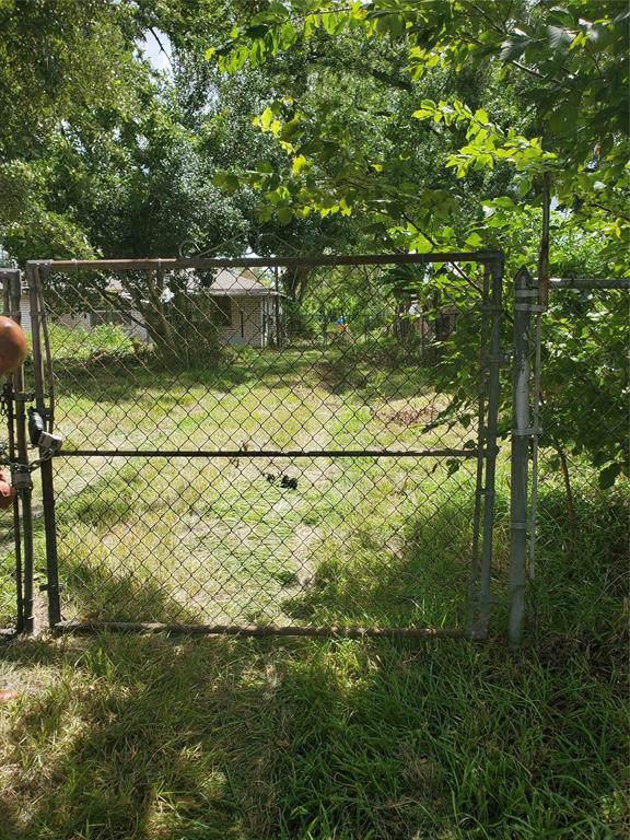 13402 E Hardy Road, Houston, TX 77039 (MLS #23346333) :: The Jill Smith Team