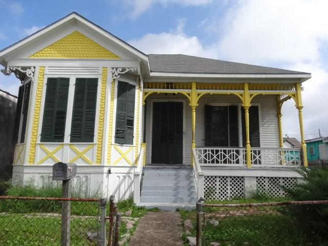 3524 Ball Street, Galveston, TX 77550 (MLS #23394639) :: The SOLD by George Team