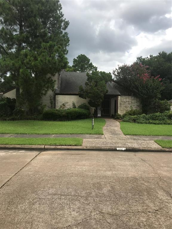 7610 Bankside Drive, Houston, TX 77071 (MLS #23781547) :: Giorgi Real Estate Group