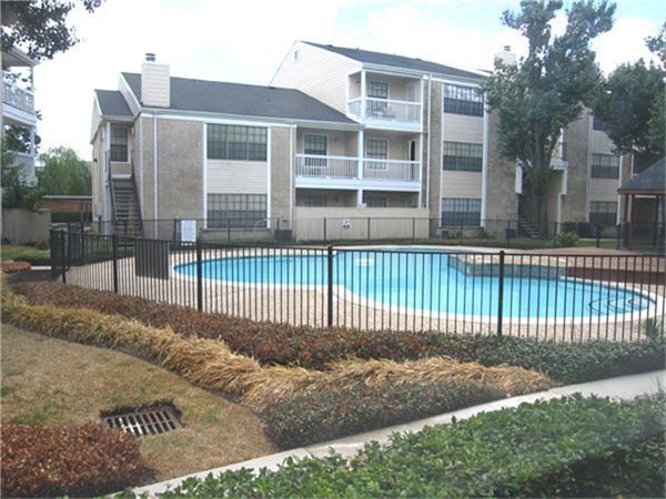 2750 Holly Hall Street #1715, Houston, TX 77054 (MLS #23845031) :: Giorgi Real Estate Group