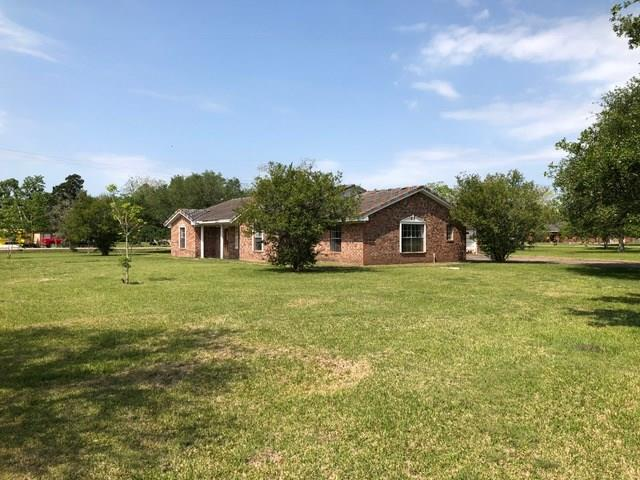 521 Fm 521 Street, Brazoria, TX 77422 (MLS #24056713) :: Texas Home Shop Realty
