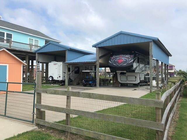 1102 Chapmans Point, Crystal Beach, TX 77650 (MLS #24103469) :: The Heyl Group at Keller Williams
