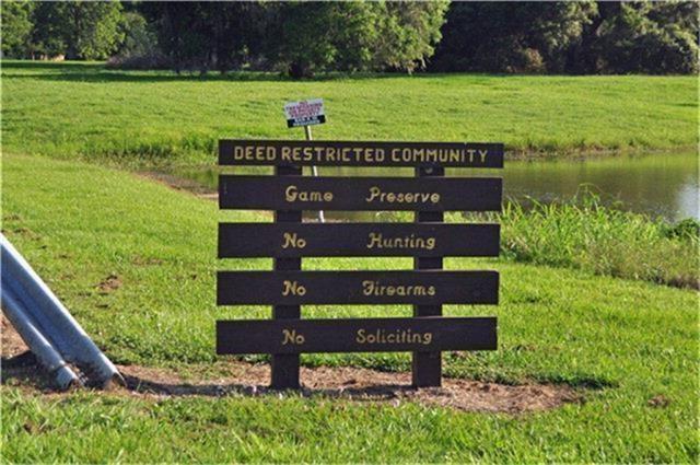 268 Horse Shoe Trail, Angleton, TX 77515 (MLS #24256625) :: Giorgi Real Estate Group
