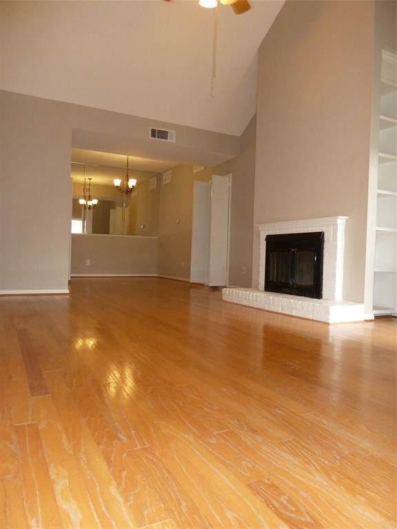 2100 Tanglewilde Street #134, Houston, TX 77063 (MLS #24925045) :: Ellison Real Estate Team