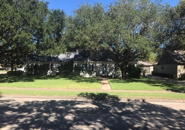 5730 W Bellfort Street, Houston, TX 77035 (MLS #24989905) :: The Queen Team