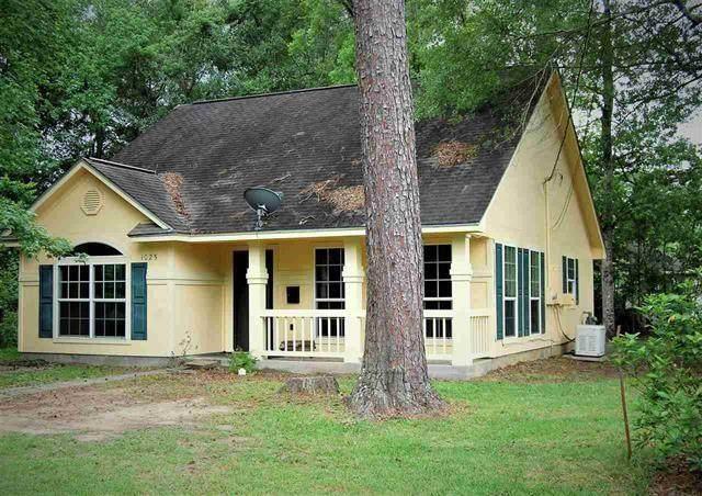 1025 Fairway Street, Beaumont, TX 77703 (MLS #25085500) :: Ellison Real Estate Team