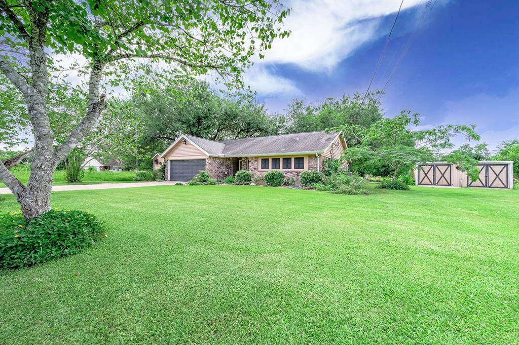 2703 County Road 962D - Photo 1