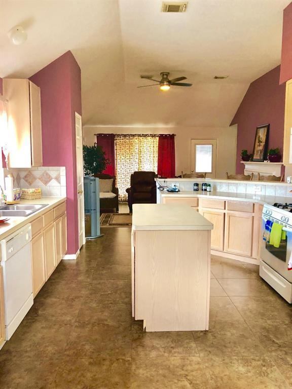 3103 Silver Cedar Trail, Katy, TX 77449 (MLS #2587262) :: Fairwater Westmont Real Estate