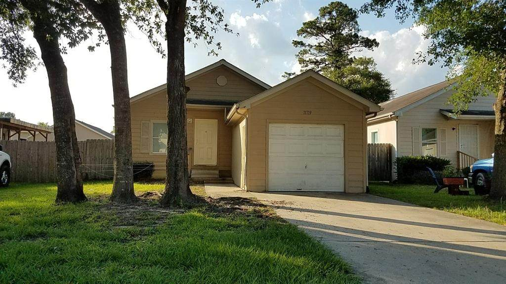 11719 Greensbrook Forest Drive - Photo 1