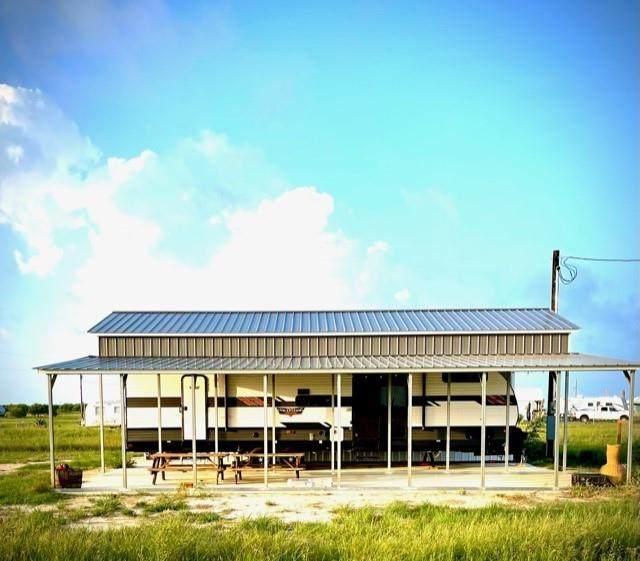 106 Halibut, Palacios, TX 77465 (MLS #26165426) :: The Freund Group