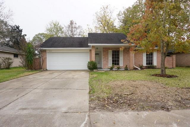 5819 Wildfire Street, League City, TX 77573 (MLS #26214978) :: REMAX Space Center - The Bly Team