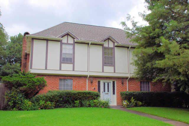11331 Briar Rose, Houston, TX 77077 (MLS #26414025) :: The SOLD by George Team