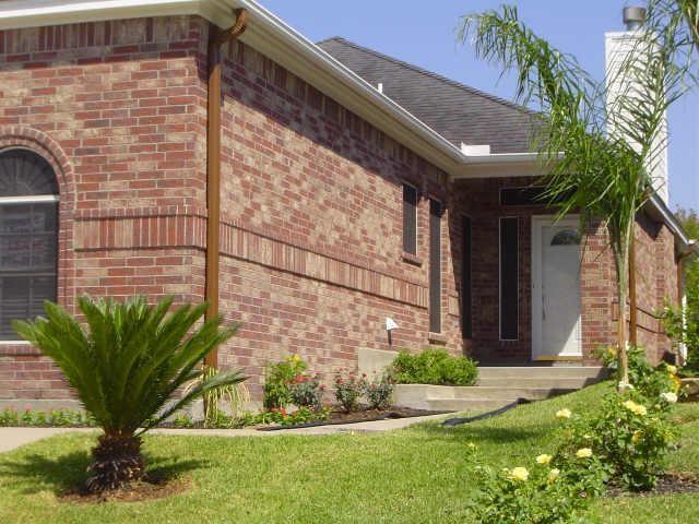 146 Cove Circle, Conroe, TX 77356 (MLS #26570321) :: Christy Buck Team
