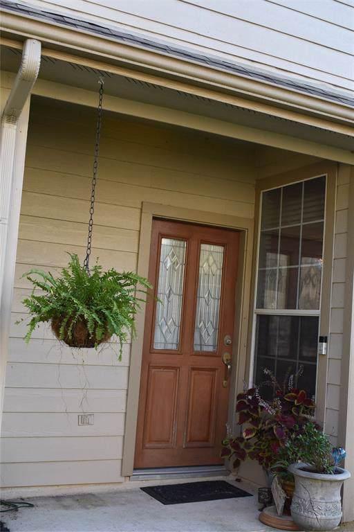 243 Drake Run Ln Lane, Dickinson, TX 77539 (MLS #26605898) :: Phyllis Foster Real Estate