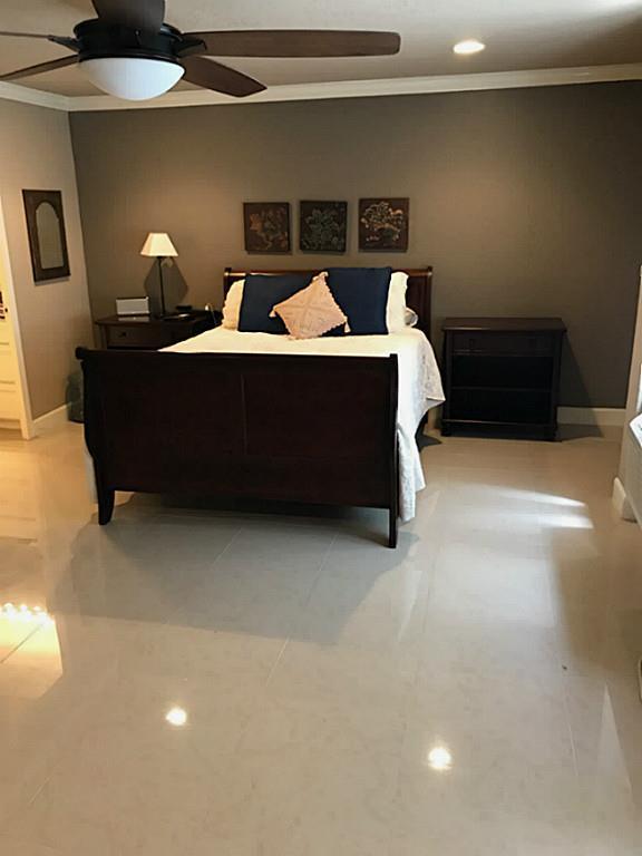 7510 Hornwood #204, Houston, TX 77036 (MLS #26647536) :: Carrington Real Estate Services