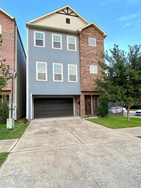 2704 Rutland Street, Houston, TX 77008 (MLS #26734377) :: The Bly Team